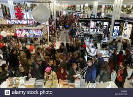 new york usa 26th nov 2015 bargain hunters crowd the macy s
