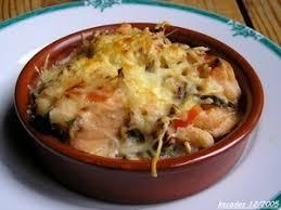 cuisiner du saumon recette de cassolettes gratinées de jacques crevettes et saumon