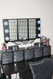 Diy Makeup Vanity Mirror With Lights Furniture Captivating Makeup Vanity Table With Lighted Mirror Nu