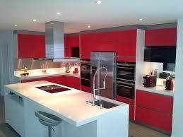 plan de travail cuisine blanc laqué cuisine facades laque mat et plan de travail quartz blanc ack