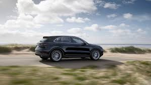 Porsche Cayenne Air Suspension - following the 911 lightweight chassis with mixed tyres