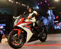 cbr bike show honda u0027s cbr 650f sports bike launched at rs 7 3 lakh latest news