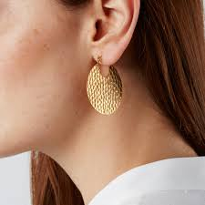 hoop earings hammered gold hoop earrings in a teacup jewellery