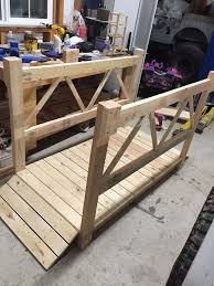 Diy Wooden Garden Furniture by Best 25 Wood Gardens Ideas On Pinterest Pathways Wood Pallet