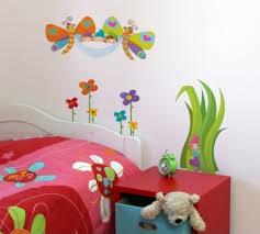 comment d馗orer une chambre d enfant comment decorer une chambre d enfant stickers lzzy co