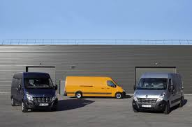renault master 2011 new renault master van officially revealed