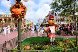 halloween arrives at magic kingdom hidden mesa