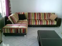 comment renover un canapé renover un canape en tissu veejpg comment nettoyer un canape en