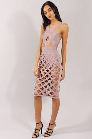 Clothes Like Johnny Was Tyra Banks Shows Bra In Netted Dress On Seth Meyers U0027 Show Daily