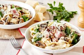 mustard crusted beef with creamy mushroom pasta