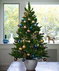 Christmas Tree With Blue Decorations - creative christmas tree decorations real simple