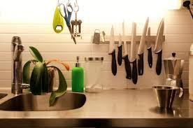 aimant cuisine poser le porte couteau grundtal sans percer bidouilles ikea