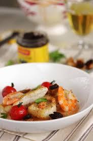 homard cuisine dans la cuisine de filets de poisson bisque de homard et