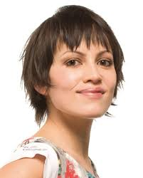 fun and easy short haircut with texturing for a jagged and edge