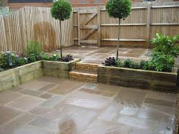Small Courtyard Design Small Courtyard Garden For Entertaining And Easy Plant Maintenance