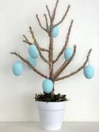 easter egg trees cutest easter egg tree the design confidential