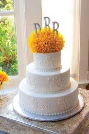 classic wedding cakes wedding ideas trends and inspiration our favorite wedding cakes