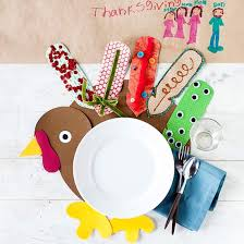 easy to make place cards and napkin rings for a thanksgiving table