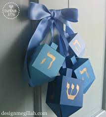 hannukkah decorations 10 diy hanukkah decorations tip junkie
