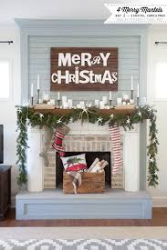 Tall Christmas Decorations For Mantle by Best 25 Cottage Christmas Decorating Ideas On Pinterest Cottage