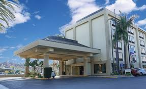 Comfort Inn And Suites Anaheim Cheap Hotels In Los Angeles Luxury Hotels Deluxe Hotels
