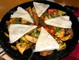 cuisine azerbaidjan baku azerbaijan and chicken saj with lavash azerbaijani