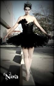 Black Swan Costume Halloween 25 Black Swan Costume Ideas Black Swan