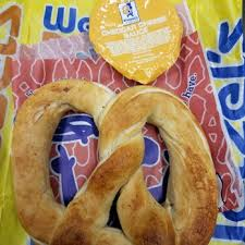 wetzel u0027s pretzels 16 photos u0026 10 reviews pretzels 3030 plaza