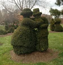 Columbus Topiary Garden - landmarks statues and art worth seeing in columbus