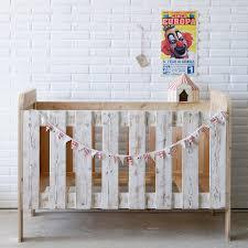 chambre bébé fabrication 1001 idées comment fabriquer un lit avec des palettes
