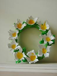 mk inspired egg carton daisy wreath
