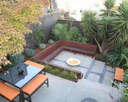 small backyard landscape design 1000 narrow backyard ideas on