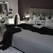 Best  Marilyn Monroe Bedroom Ideas On Pinterest Marilyn - Black bedroom ideas