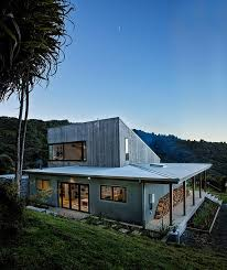 architect designs architect s back country house merges with zealand landscape