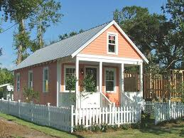 small cottage homes best 25 cottage homes ideas on pinterest
