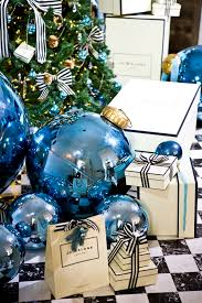 Frosty Blue Christmas Decorations by 561 Best Images About Frosty Blue Sparkly Christmas On Pinterest