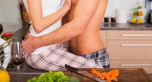 amour dans la cuisine sexe et cuisine une recette qui séduit les français surtout les