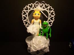 kermit the frog u0026 miss piggy wedding cake topper funny the muppet