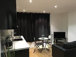 Livingroom Leeds Next Apartments Leeds Uk Booking Com