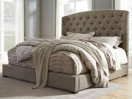 Bedroom Bed Furniture by Decorate Your Apartment In Mike And Rachel Style Suits