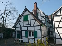 Spitzdachhaus Kaufen Romantische Fachwerk Doppelhaushälfte Im Ortskern Von Burscheid
