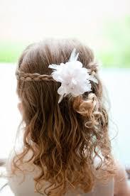 Hochsteckfrisurenen Und Z Fe by Kinderfrisuren Mädchen Hochzeit Halboffen Zöpfe Blume Haarschmuck