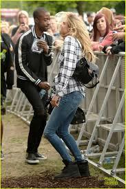 Style Ellie Goulding Cara Delevingne Is So Proud Of Gal Pal Ellie Goulding At Wireless