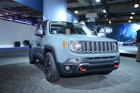 jeep renegade light blue 2015 jeep renegade makes north american premiere in new york
