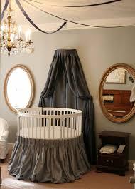 ciel de lit chambre adulte lit rond design pour la chambre adulte moderne en 36 idées