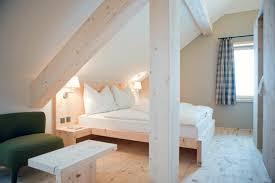 wohnideen schlafzimmer skandinavisch wohnideen mit dachschräge in küche bad wohn schlafzimmer