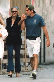 carolyn bessette is good style strategic carolyn bessette kennedy makes the case