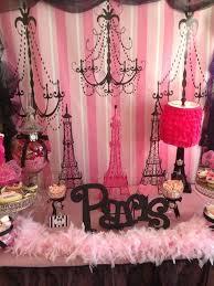 Purple Paris Themed Bedroom by Best 25 Paris Theme Centerpieces Ideas On Pinterest Parisian