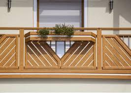 balkone alu alu wooden hahnenkamm leeb balkone und zäune