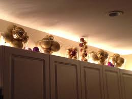 ideas for decorating above cabinets christmas decorations